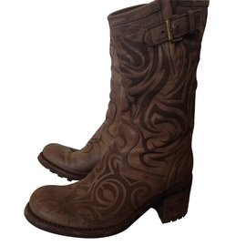 Boots - Free Lance