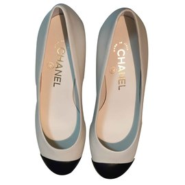 Chanel-Low heels-Beige