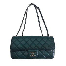 Classic single flap - Chanel