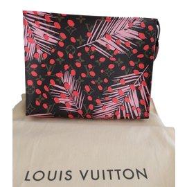 Louis Vuitton-26 Monogram Jungle-Light brown