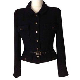 Petite veste noire - Chanel