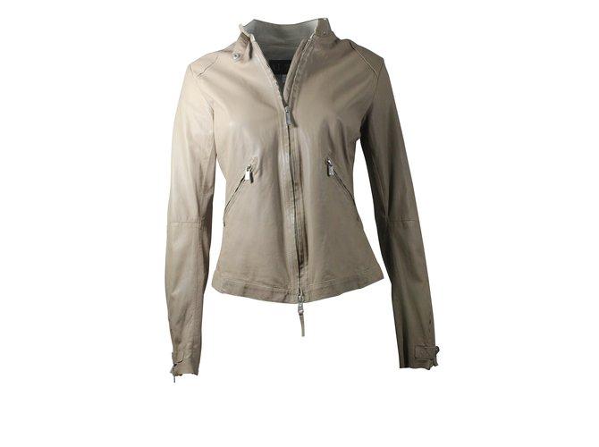 f5355993960 Vestes Armani Jeans Veste en cuir Autre Beige ref.5626 - Joli Closet