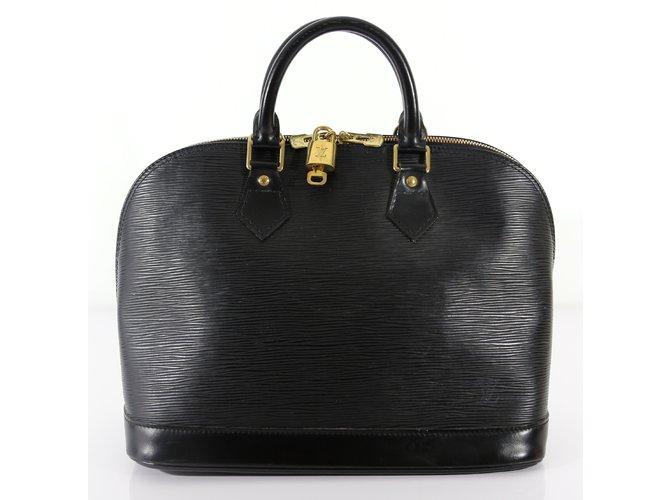 3d5fe6fe8e7f Louis Vuitton Handbags Handbags Leather Black ref.6148 - Joli Closet