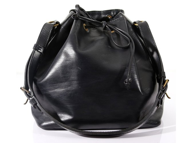 793031ed04a6 Louis Vuitton Handbags Handbags Leather Black ref.6149 - Joli Closet