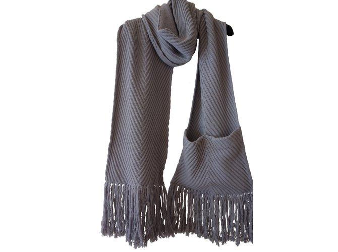 e1c26aeb7618 Foulards Louis Vuitton écharpe cachemire laine franges avec poche Cachemire  Violet ref.8832