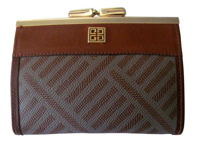 Petite maroquinerie Givenchy Petite maroquinerie Cuir Marron ref.8910 ce478b543a8