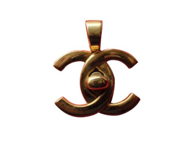 Chanel pendant necklaces pendant necklaces other golden ref9353 chanel pendant necklaces pendant necklaces other golden ref9353 aloadofball Choice Image