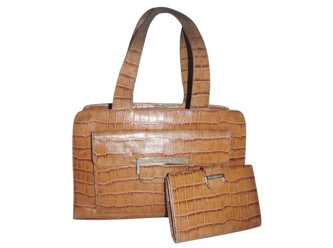 b69caad4cfc52 Yves Saint Laurent Handbags Handbags Leather Caramel ref.9868 - Joli ...