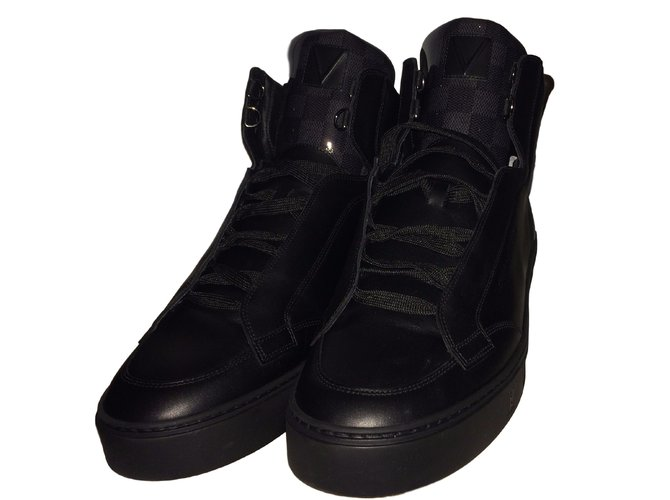 Baskets homme Louis Vuitton Speaker Sneaker Boot Cuir Noir ref.10479 ... cd5253fd86a
