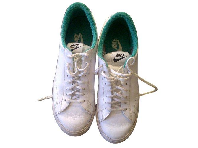 tennis blanche et verte nike 40