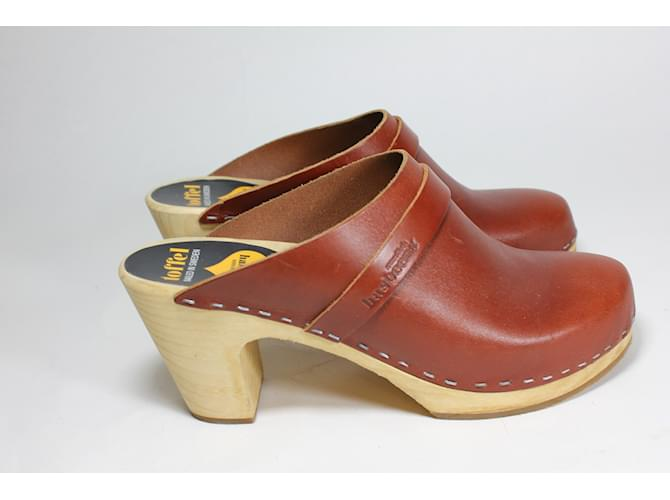 107a70a3c2a4a Swedish Hasbeens Clogs Clogs Leather Brown ref.11248 - Joli Closet