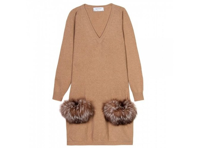 robes yves saint laurent robe cachemire laine caramel joli closet. Black Bedroom Furniture Sets. Home Design Ideas
