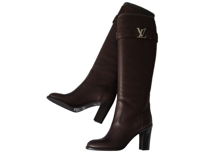 538687a58af7 Bottes Louis Vuitton LEGACY HIGH Cuir Marron ref.14425 - Joli Closet