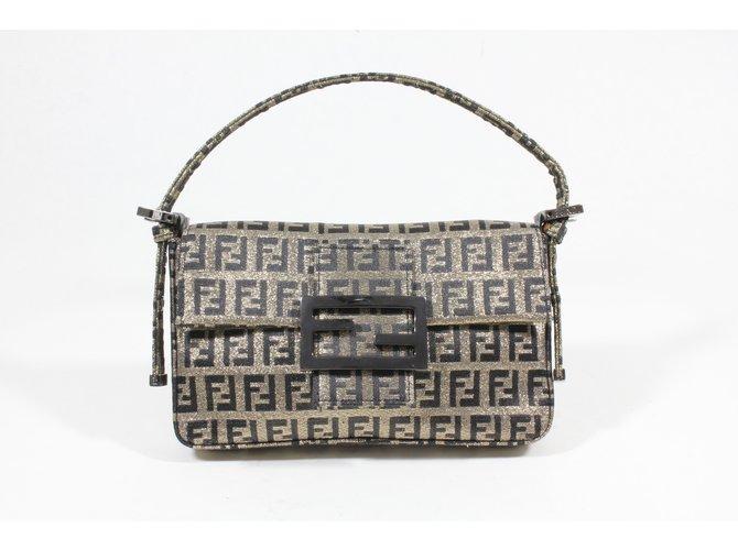 Fendi Clutch bags Clutch bags Cloth Golden ref.14605 - Joli Closet
