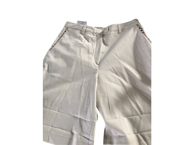 Burberry Shorts Shorts Cotton Beige ref.14644