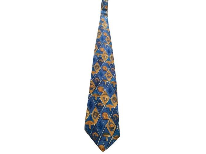 66db27c5d344 Yves Saint Laurent Ties Ties Silk Blue ref.16958 - Joli Closet