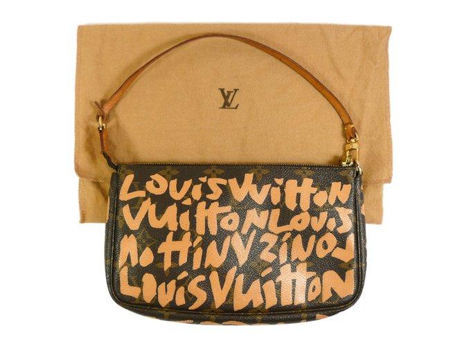 076b34063c17 Louis Vuitton Graffiti Stephen Sprouse Day clutch Clutch bags Cloth Brown  ref.17019