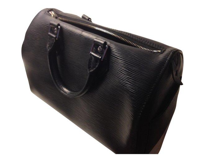 1f5a857a9488 Louis Vuitton Handbags Handbags Leather Black ref.17033 - Joli Closet
