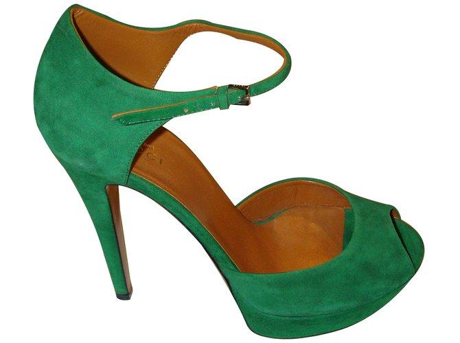 a966d2c75cd Gucci Kid Suede green Heels Suede Olive green ref.17235 - Joli Closet