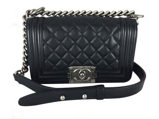 844c166b2128 Chanel Boy small black Handbags Leather Black ref.17393 - Joli Closet