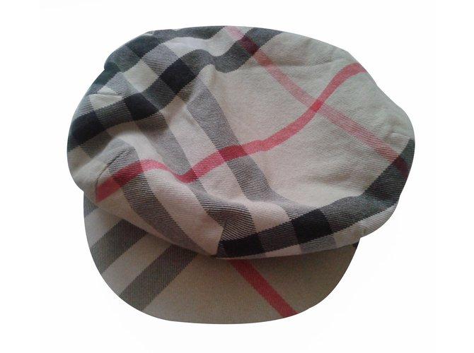 Chapeaux, bonnets, gants Burberry Beret Autre Multicolore ref.17401