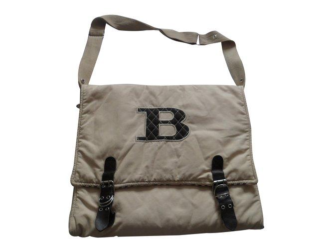 Sacs, trousses Burberry Sacs, trousses Coton Beige ref.17849