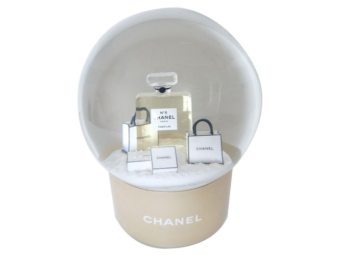 Chanel Snow ball Misc Glass White ref.18398