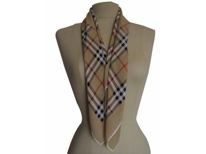 Burberry Scarves Scarves Silk Beige ref.18519