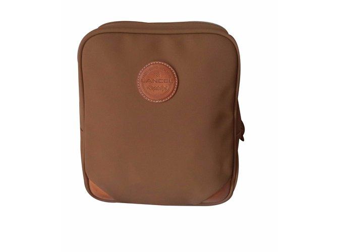 sacs dos lancel sacs dos toile marron clair joli closet. Black Bedroom Furniture Sets. Home Design Ideas