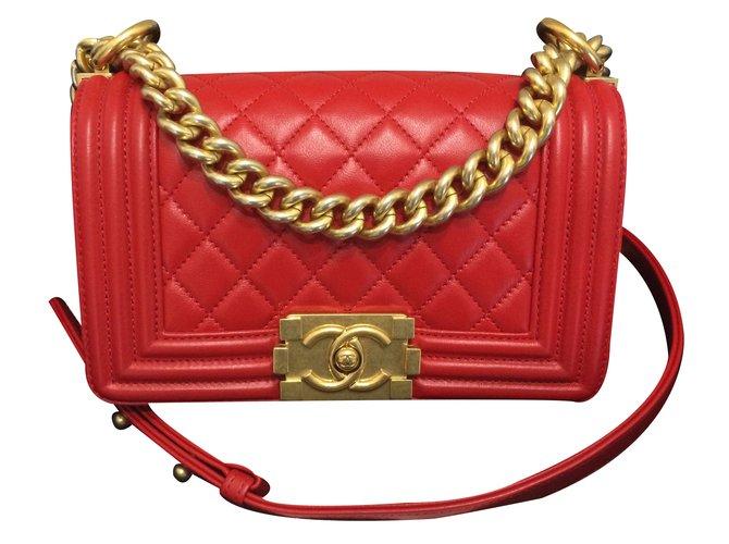 0c7def64a3dada Chanel Boy Small red Handbags Leather Red ref.19347 - Joli Closet