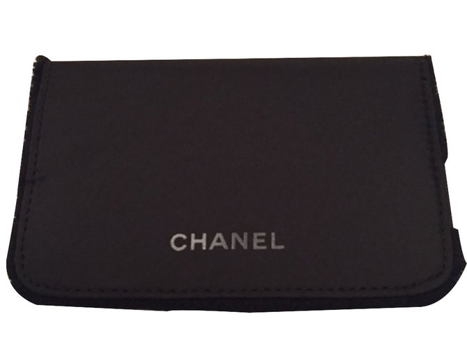 7198d281d9b8 Chanel Makeup pouch VIP gifts Cloth Black ref.19861 - Joli Closet
