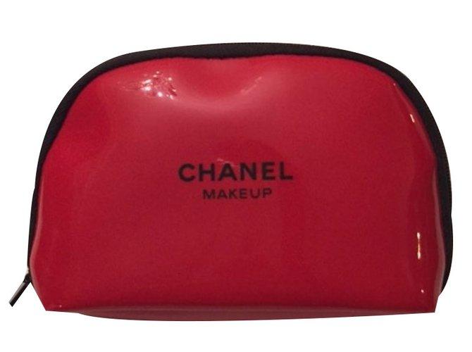 2282ae8dc78c Makeup pouch