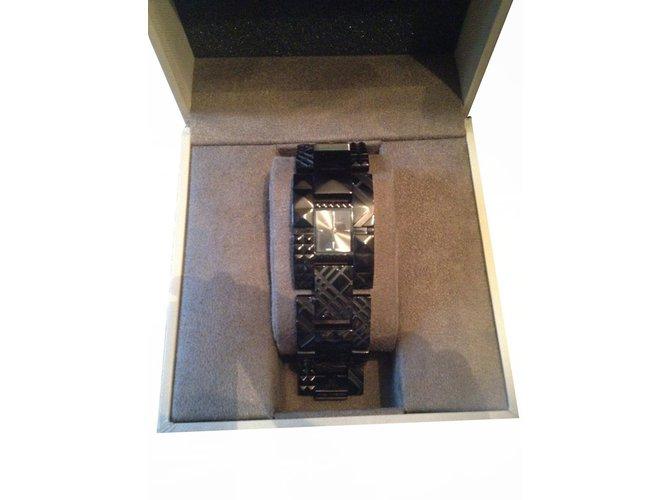 7f3abe479ea8 Montres Burberry Montre Burberry acier noir Acier Noir ref.20070 ...