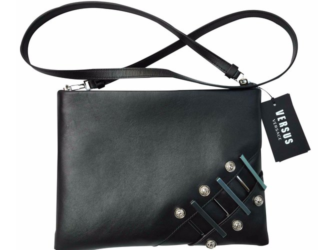 1c55ca9dfdfc Versace Versus versace safety pin leather bag Handbags Leather Black  ref.20760
