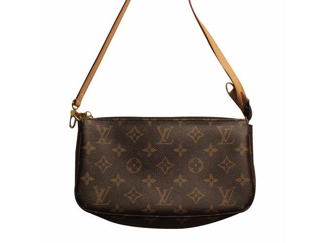 f4a174a70429 Louis Vuitton Clutch bag Clutch bags Leather Brown ref.21294 - Joli ...