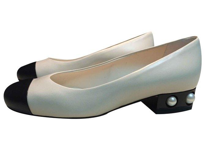 Escarpins Chanel Escarpins Cuir Beige ref.21850
