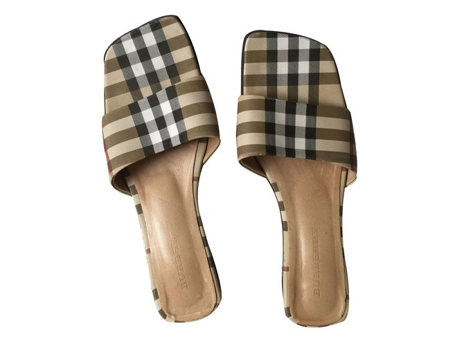 feb7ef90e08fb Burberry Mules Mules Other Other ref.22161 - Joli Closet