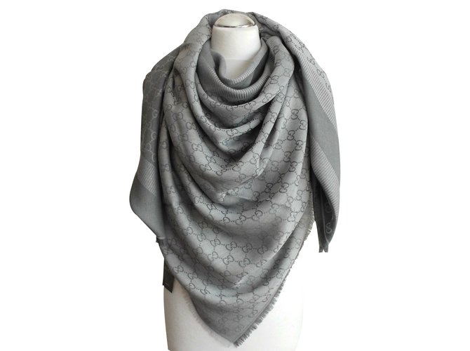 Gucci Scarf GG web Gucci Scarves Wool Grey ref.23398 - Joli Closet 24d60ab3032