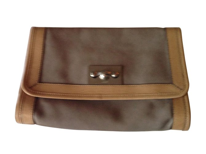 Chloé Clutch bag Clutch bags Leather Beige ref.23635