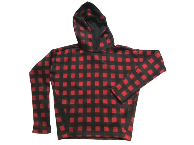 pull polyester maje rouge