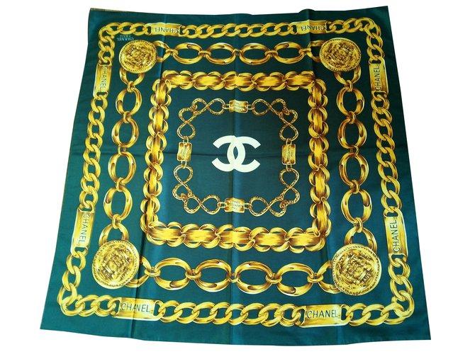 9f5b6b872f7 Chanel Silk scarf Silk scarves Silk Green ref.25318 - Joli Closet