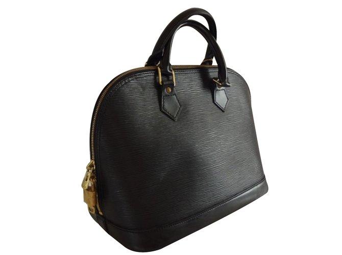 Louis Vuitton Handbag Handbags Leather Black ref.25332 - Joli Closet 39d741b3c6b6