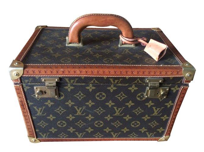 sacs de voyage louis vuitton sac de voyage cuir marron ref. Black Bedroom Furniture Sets. Home Design Ideas