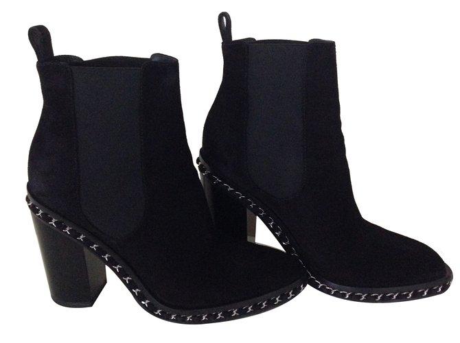 Bottines Chanel Boot chaine chanel Daim Noir ref.26546 - Joli Closet ef742b246cb