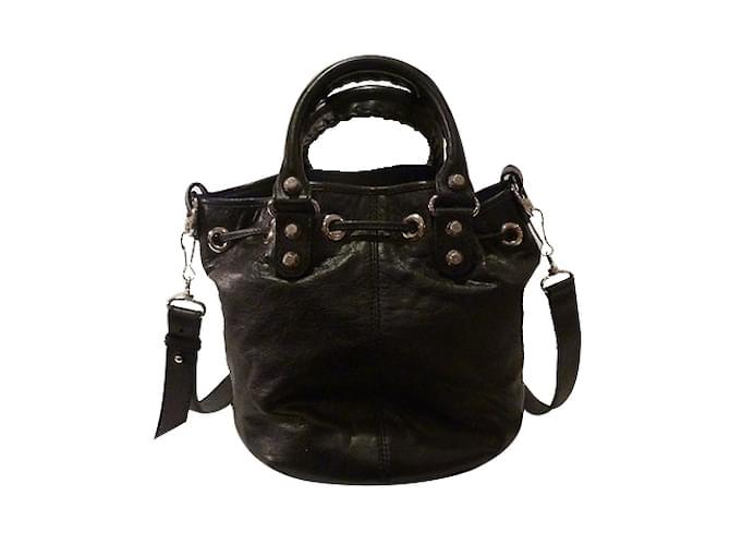 Balenciaga Giant 12 Mini Pom Pom Bucket Bag Handbags Leather Black ref.27067 661558234dadc