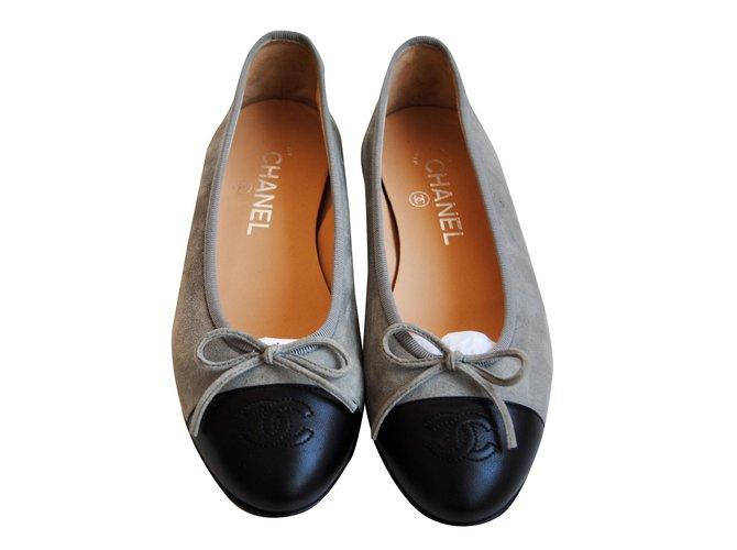 Chanel Ballerina shoes Ballet flats Suede Grey ref.27444 - Joli Closet 071b609b9c