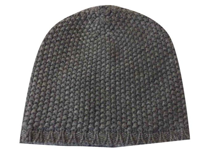 Dolce   Gabbana Grey beanie hat Hats Beanies Cashmere Grey ref.27554 ... ce5344d4fa0