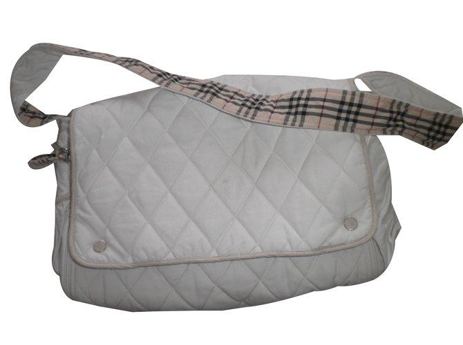 Sacs, trousses Burberry Sac Coton Blanc ref.27800