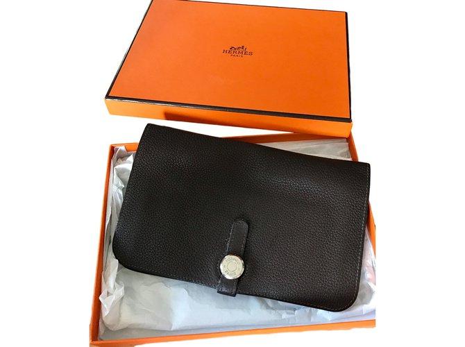 Portefeuilles Hermès portefeuille compagnon DOGON Cuir Chocolat ref.28273 b099d2841c1