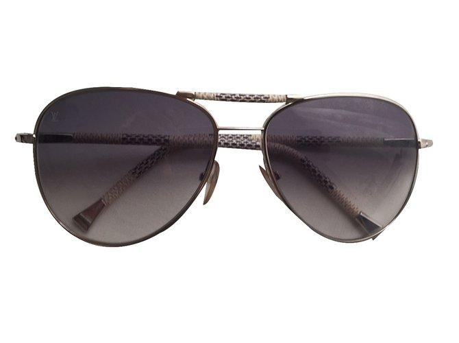 d74c2f95c929e2 Louis Vuitton Sunglasses Sunglasses Glass Blue ref.28456 - Joli Closet